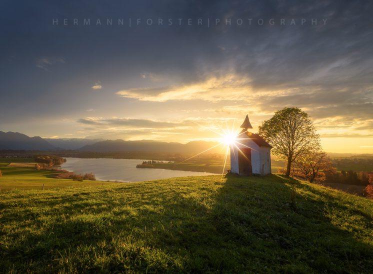 Kapelle im bayrischen Oberland
